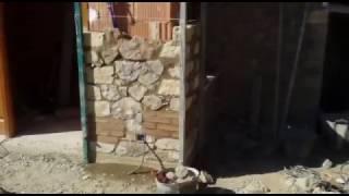 Terminando el vestíbulo de El Granero Pan Bio & Alojamiento Rural