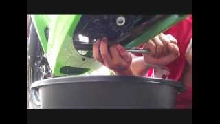 DIY: 2010 Kawasaki Ninja 250 Oil Change