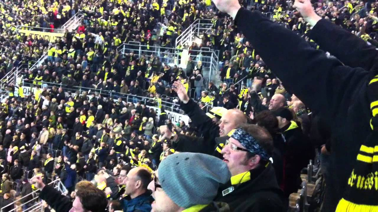 BVB S04 Derbysieg 2011 Keine Schale in der Hand