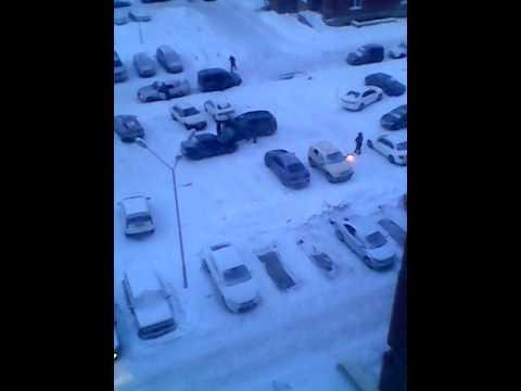 Суровый Берёзовский: люди жгут костры, разогревая авто