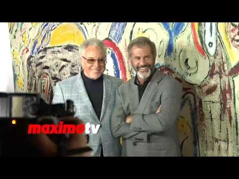 Mel Gibson and Tom Jones - CANDID VIDEO