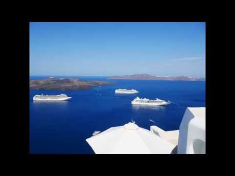 4K Timelapse of Cruise Ships in Santorini, Greece.