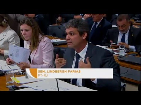 Impeachment: comissão ouviu acusação de Dilma; hoje ouve defesa