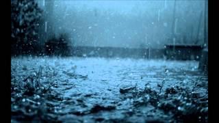 人影も見えない 午前0時 電話BOXの 外は雨 かけなれたダイアル 回しかけ...