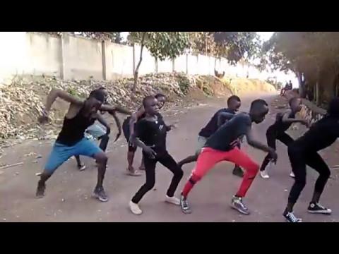 GHETTO KIDS DANCING BWOTI BWOTI BY PALLASO thumbnail