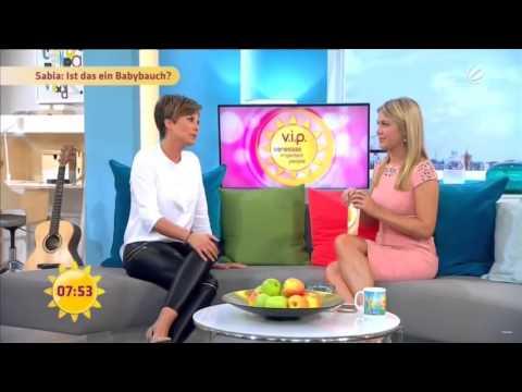 Alina Merkau & Vanessa Blumhagen   FFS   28 09 2015