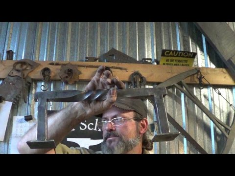 Blacksmithing - 90 Degree Corner With A Step On A Vertical Hand Rail