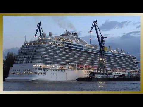 REGAL PRINCESS | Eindocken Blohm+Voss Hamburg | Entering dry dock at shipyard