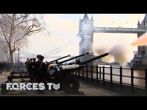 How To Do A Royal Gun Salute For The Queen | Forces TV