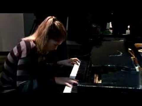 Marika Bournaki plays Glenn Gould piano