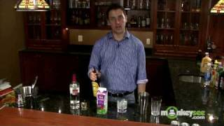 Vodka Drinks - How to Make a White Russian