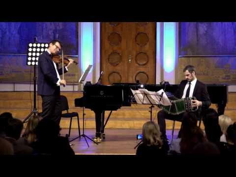 """Nightclub 1960"" (Astor Piazzolla)  Alexandru Tomescu & Omar Massa"