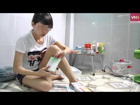 Xót hương thiếu nữ bị đâm kim tiêm vào ngực nhiễm HIV