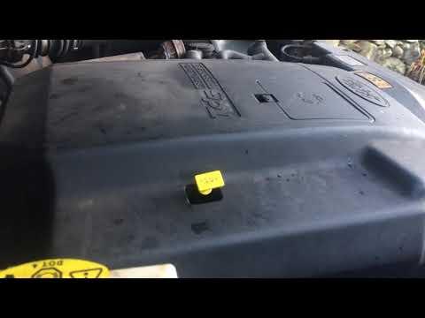 Land Rover Defender 110 station wagon TD5 5 cylinder turbo diesel engine start up + rev sound