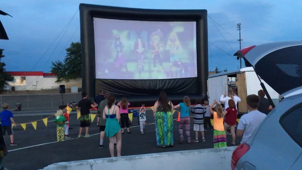 Book With Funflicks Outdoor Movies Today