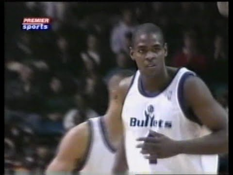 Chris Webber (40pts/10rebs/10asts) vs. Warriors (1995)