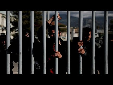 أوضاع اللاجئين تزداد سوءً في جزيرة ليسبوس اليونانية بسبب الاكتظاظ…  - 15:22-2018 / 5 / 17