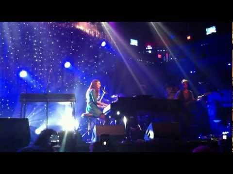 Sara Bareilles  - Breathe Again (Live at the Electric Factory, PA)
