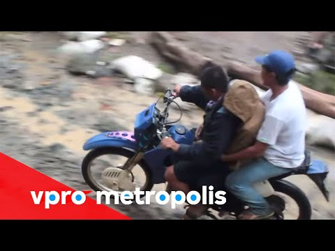 A devil on wheels in Philippines - vpro Metropolis