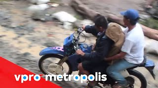 A devil on wheels in Philippines - vpro Metropolis thumbnail