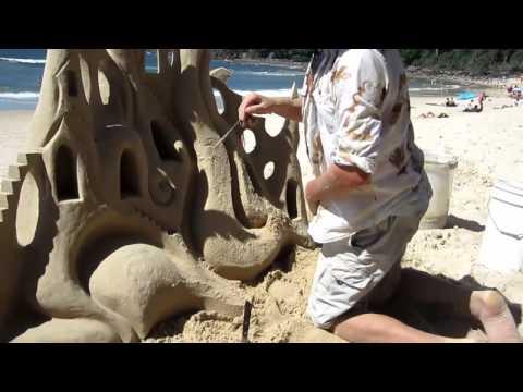 Marco in Australia - 56 - Castelli di sabbia con Araon
