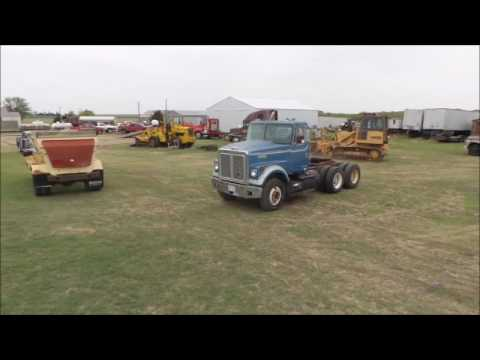 1978 White Road Boss semi truck for sale | no-reserve Internet auction May 24, 2017