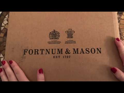 Fortnum & Mason Hamper Unboxing | Christmas 2017
