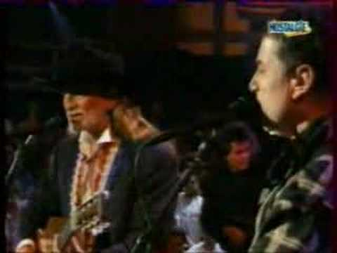 Flashback: Willie Nelson, Paul Simon Sing 'Graceland' for Willie's 60th Birthday