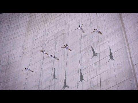 شاهد: عرضُ باليه في سويسرا على ارتفاع 2200 متر بمشاركة ثلاث نساء …  - نشر قبل 3 ساعة