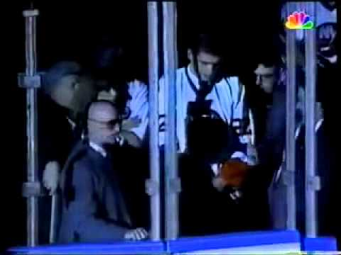74b527cf9 February 1995 - Islanders Announce Bobby Nystrom Jersey Retirement and  Malakhov Switches to 92