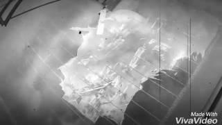 Как убрать старую тонировку(На видео показано как не надо сдирать тонировку с заднего стекла машины. Владелец авто остался без обогрева..., 2016-08-24T17:15:17.000Z)