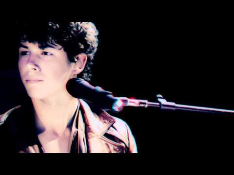 Jonas Brothers - A Little Bit Longer (The 3D Concert Experience)  |Discurso en Español|