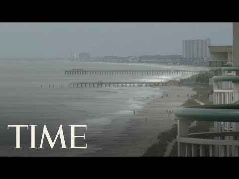 Footage From Sullivan\'s Island, SC and Southport, NC As Hurricane Florence Approaches | LIVE | TIME