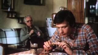 Лётное происшествие (1986) (1 серия) фильм смотреть онлайн(Авиационный инженер Виктор Росанов мечтает сесть за штурвал самолета - он уверен, что только так сможет..., 2014-05-07T19:39:36.000Z)