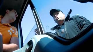 Блох пост-скрытая камера! Полиция издевается над водителями!