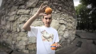 Як навчитися жонглювати 3 м'ячами з нуля Каскад Урок для початківців Веселі діти