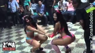 секс танец из двух моделей