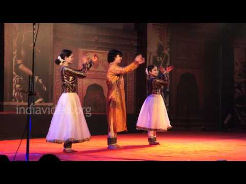 Dancers from Birju Maharaj Parampara performing Kathak