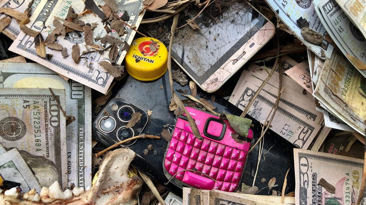 Restoring Abandoned Destroyed Phone, Found a lot of broken phones and more!  Vivo
