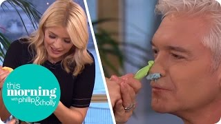 Holly Gets Happy With the Icing While Making a Cupcake Bouquet | This Morning
