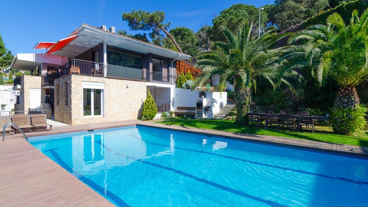 Grande villa de construction r cente avec piscine priv e - Villa piscine privee ...
