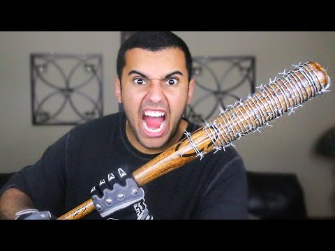EXPERIMENT!! LUCILLE BARBED WIRE BASEBALL BAT!! NEGAN'S BAT FROM (THE WALKING DEAD) *MOST DANGEROUS*