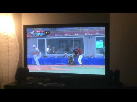 Australian Baseball League highlights - Routine fly ball completely muffed