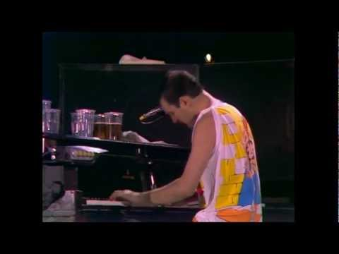 Queen - Bohemian Rhapsody (Live at Wembley 11.07)