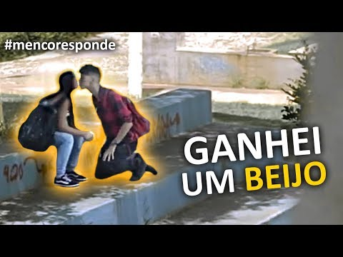 PEDI DESCONHECIDA EM NAMORO E GANHEI UM BEIJO - MENCO RESPONDE 29