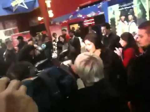 Gorgeous Katrina Kaif & Akshay at Cineworld (Feltham, London)