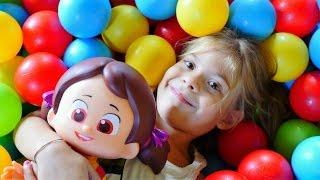 Çocuk videoları. Niloya ile oyun alanında oynuyoruz
