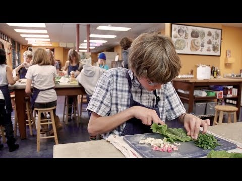 The Edible Schoolyard : Educate Kids About Food
