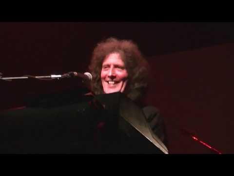 Gilbert O'Sullivan - Medley - York Opera House 2017