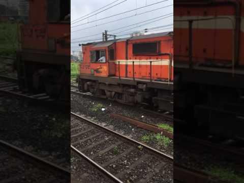 LTT Bidar Express approaching Kalyan Junction.